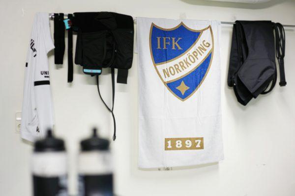 Badhandduk med IFK-logga och texten 1897.